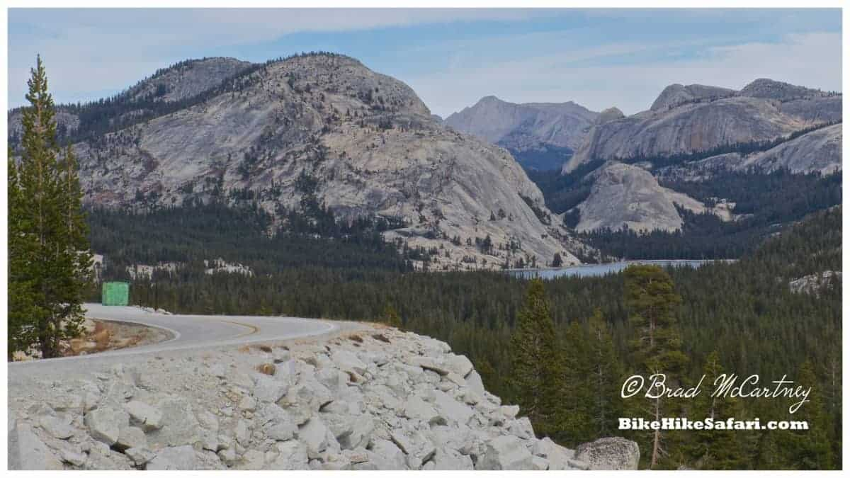 Lakes and granite mountains on route to Tioga Pass