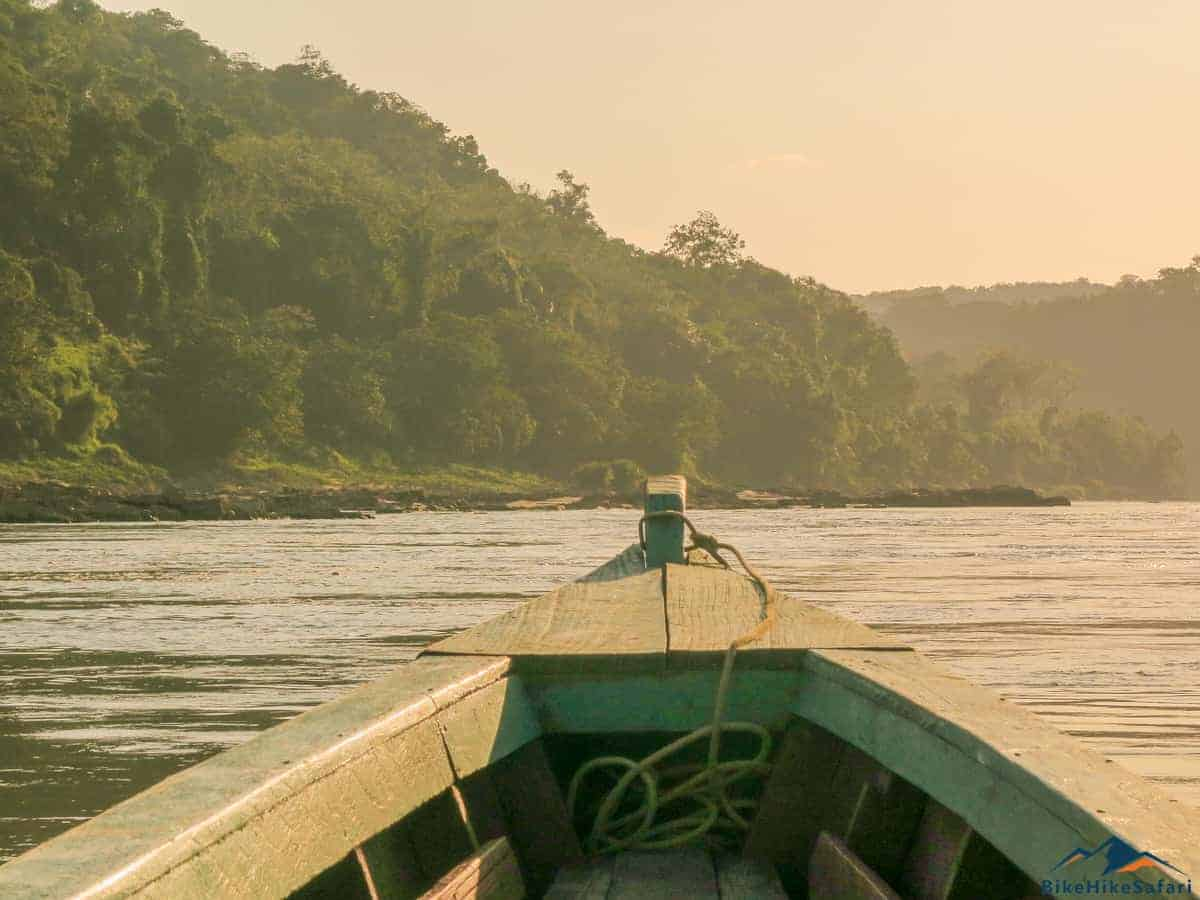 The boat to Yaxchilan