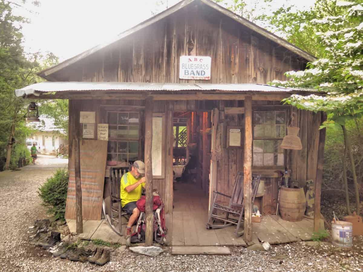 standing bear farm hostel
