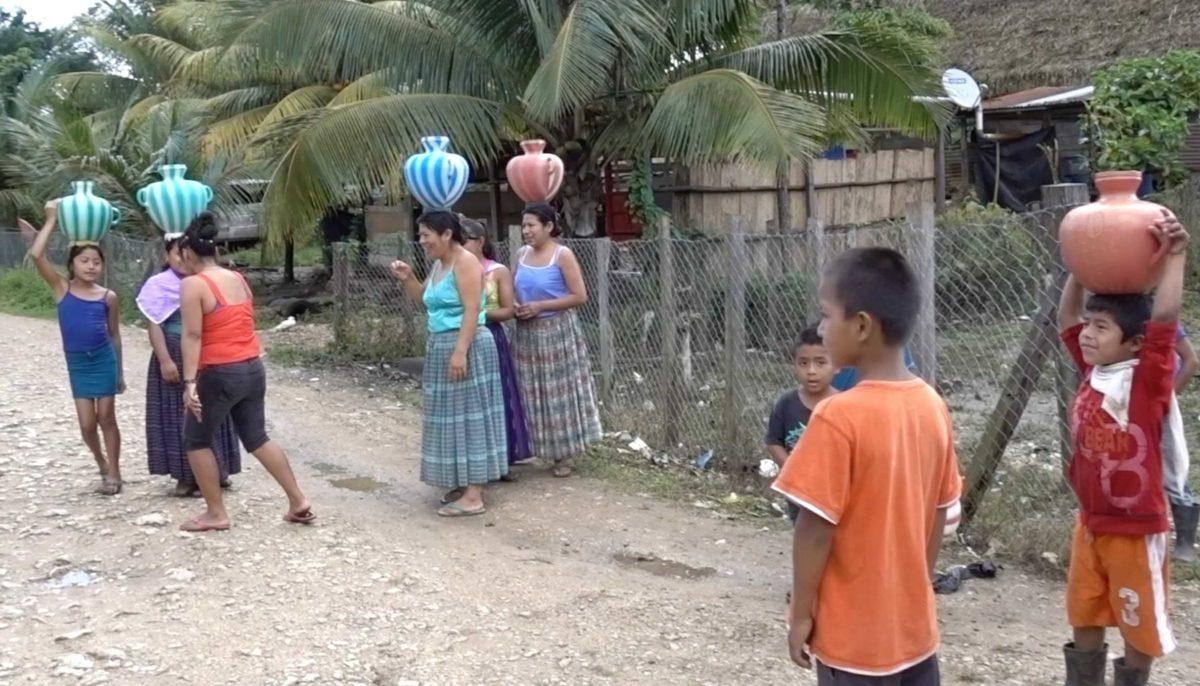 guatemala-mayan-village-ladies