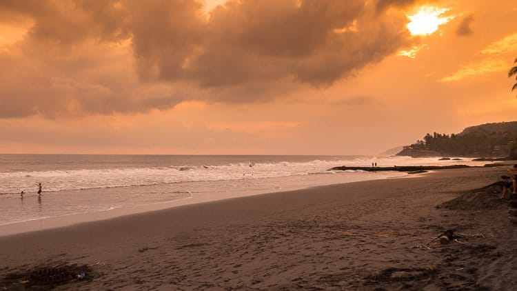 el-salvador-beach-sunset