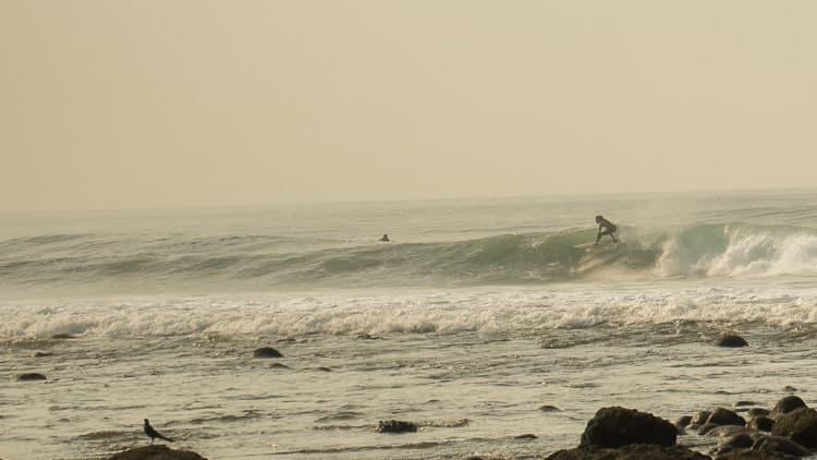 el-salvador-surfing
