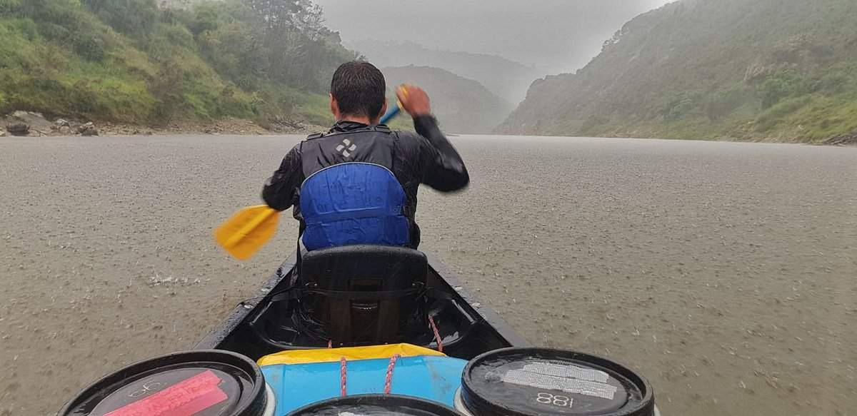 Rain on the whanganui river while canoeing
